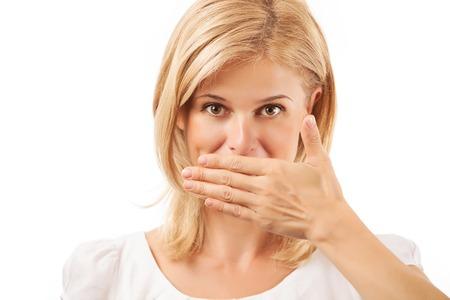 Lächelnde junge Frau für Mund auf weißem Hintergrund Standard-Bild - 31798268