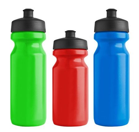 deporte: Conjunto de botellas de plástico para el agua de la bicicleta en blanco