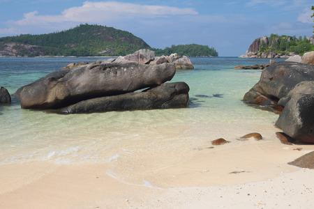 GLOD: Seychelles, Mahe, Port Glod, gulf Anse Islette