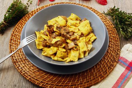 italian ravioli pasta with mushroom