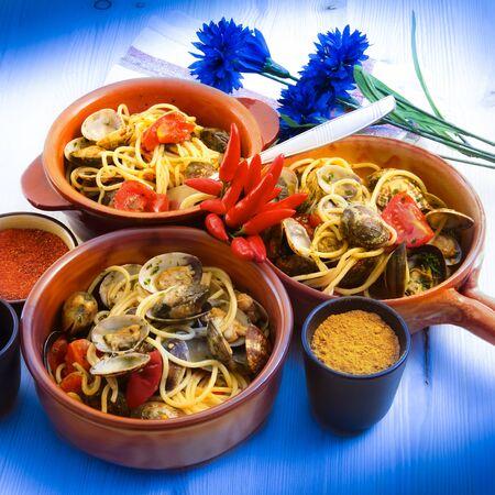 original italian spaghetti with clams