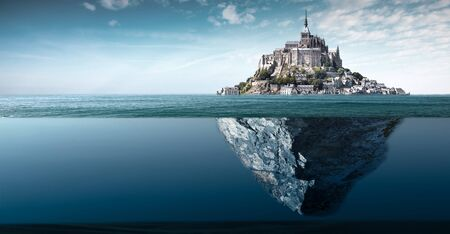 a spectacular view of the abbey of Mont saint michel Standard-Bild - 145263415