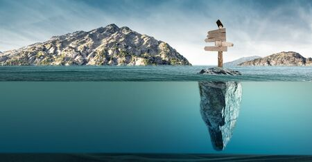 the signal arrows in the middle of the sea