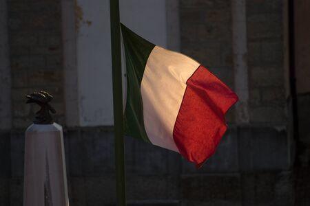 바람과 이탈리아 국기