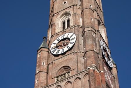 Deutschland, Landshut, die gro�e Kirche und blauer Himmel