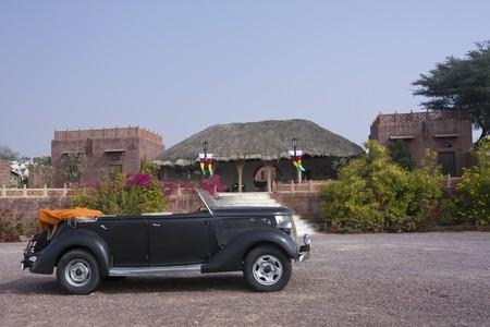 Old 1936 car found in desert near Osian, India Stock Photo