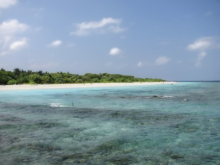 Tropical beach on Maldives Islands Imagens