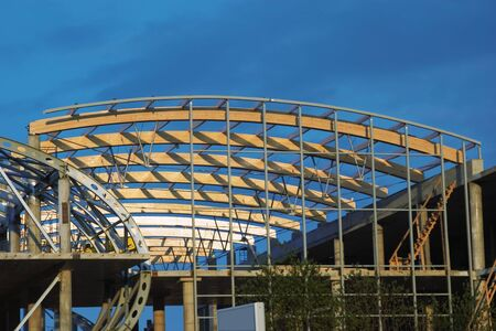 composit: Building cultural-shopping centre in St.-Petersburg, composit wooden beams
