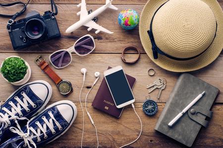 voyage: Accessoires de voyage pour aller sur le bois Banque d'images