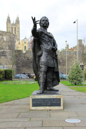 anglo saxon: Statue of Ethelbert King of Kent Stock Photo