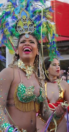ダンサーを実行するパレードで、カーニバル中にポルトガル、Loule の 2017 年 2 月 26 日ないモデル リリース編集のみを使用します。