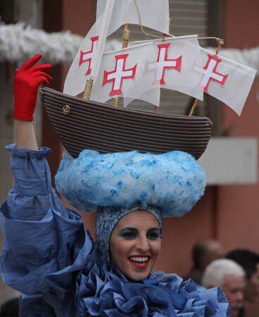 2017 年 2 月 28 日ポルトガル、Loule のカーニバル中にパレードでパフォーマー モデル リリース社説を使用しないだけ