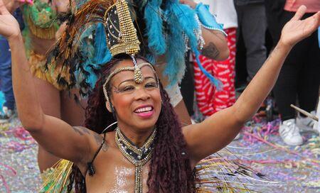 ダンサーのパレードで、カーニバル中にポルトガル、Loule の 2017 年 2 月 28 日も行ってモデル リリース エディトリアル使用のみ