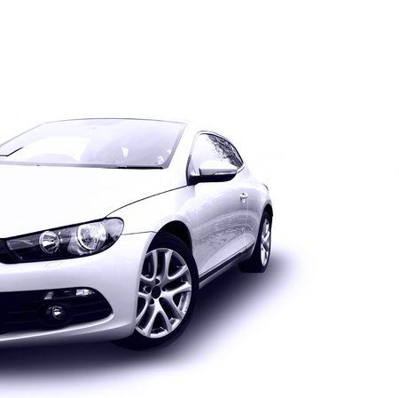 reparation automobile: voiture argent�e moderne