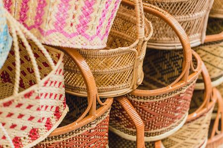 태국의 수공예 짠 바구니 제품 OTOP Shop SME 최고의 태국 품질 판매. 스톡 콘텐츠