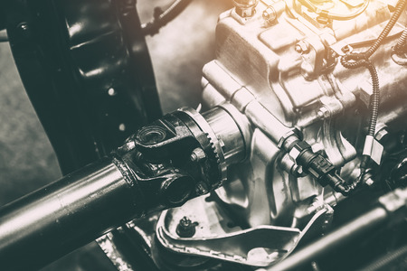 トラック車のホイールに動力伝達の車軸シャフト 写真素材