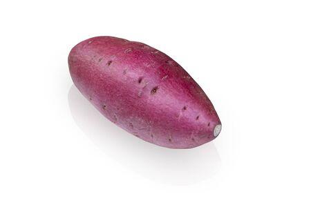 Japanische Süßkartoffel-Isolat auf weißem Hintergrund