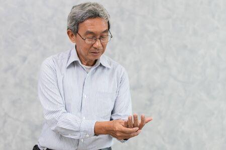 elder hand pain with Trigger Finger or rheumatoid arthritis.