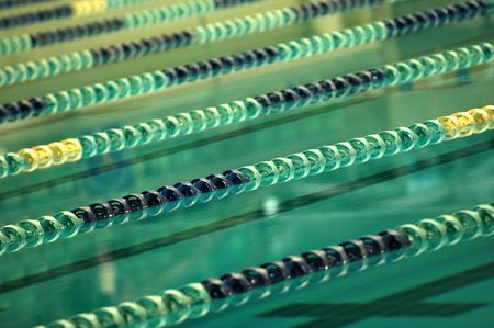 piscina olimpica: 8 Ol�mpicos est�ndar Lane piscina  Foto de archivo