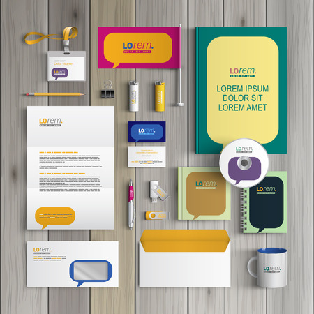 dialogo: Diseño de la plantilla de identidad corporativa de color con nubes de diálogo. Papel del asunto