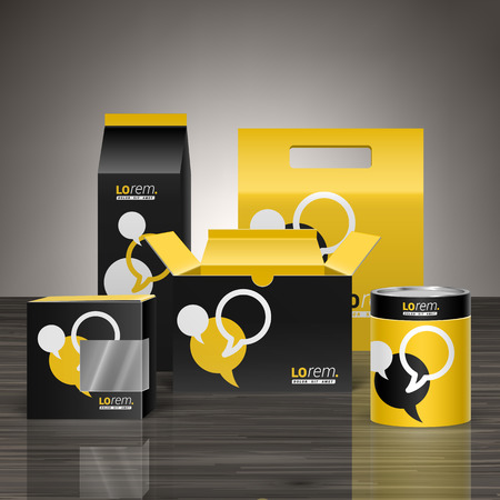papeleria: diseño de paquete promocional negro y amarillo de la identidad corporativa con nubes de diálogo. montaje de papelería