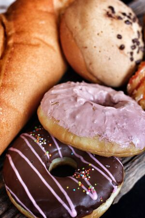 viveres: Panader�a productos alimenticios establecidos en el fondo de madera