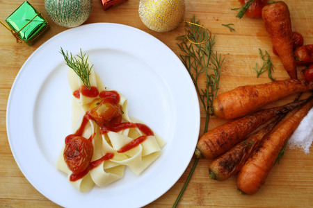 linguine pasta: Linguine pasta with tomato sauce for christmas food Stock Photo
