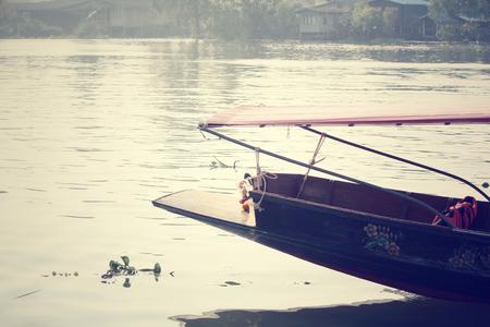 saduak: Damnoen saduak floating market, Thailand