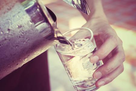 水を飲む 写真素材