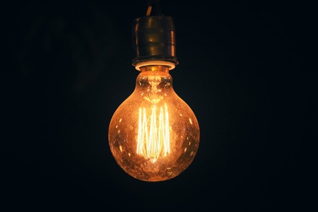 Weinlese-Glühlampe Standard-Bild - 39452918