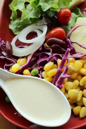mayonesa: Ensalada fresca con mayonesa