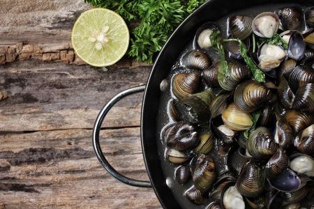 clams: Fried clams