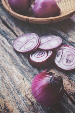 cebollas: Cebollas rojas Foto de archivo