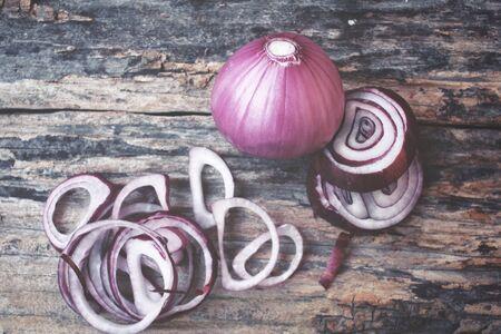 cebollitas: Cebollas rojas Foto de archivo