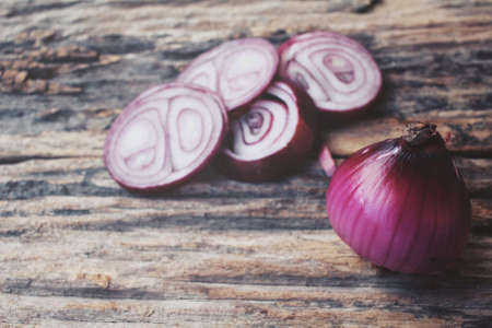 onions: Red onions