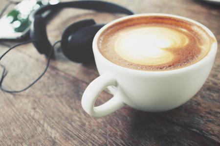 earphone: Earphone with coffee cup