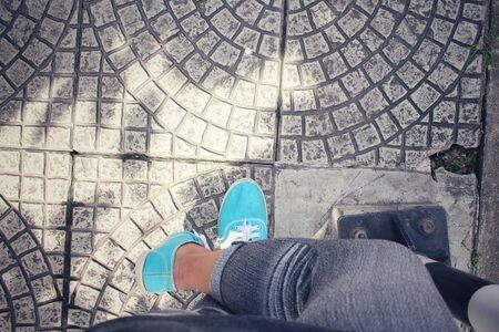 dirty feet: Sneakers