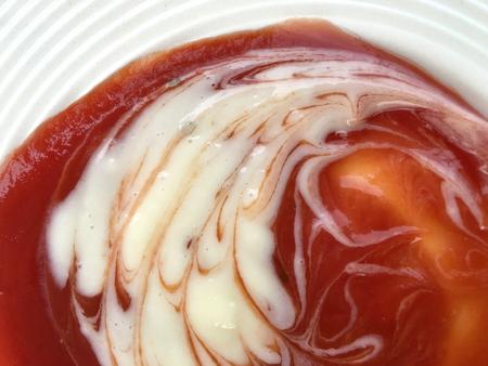 mayonesa: Salsa de tomate con salsa de mayonesa