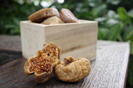 figs: Dried figs