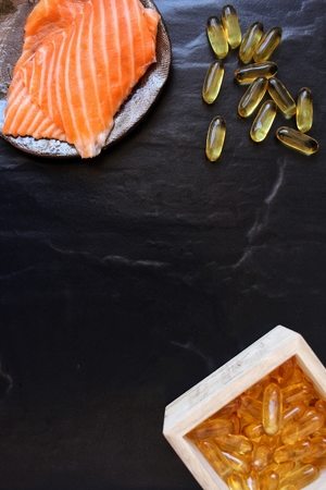 cod liver: Cod liver oil capsules with salmon
