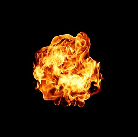 bola de fuego con espacio libre para el texto. aislado en el fondo negro