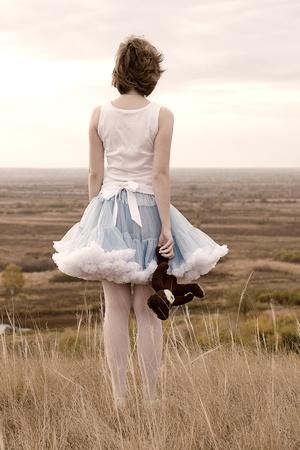 breakage: La muchacha hermosa en la rotura Foto de archivo