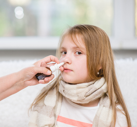 rheum: Mother using nose spray to cure her teen girl