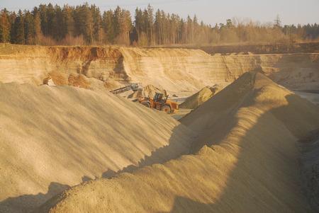 gravel: gravel pit
