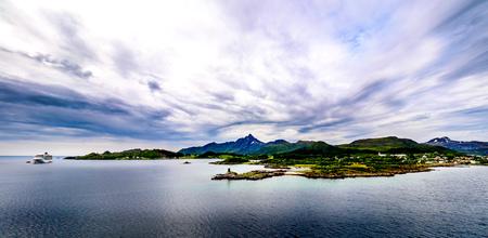 Lofoten 제도, 노르웨이의 독특한 풍경입니다.