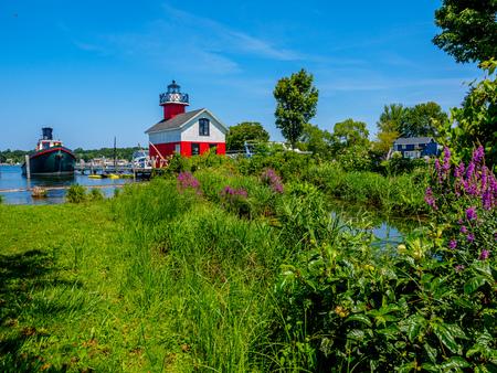 The Douglas Lighthouse on the Kalamazoo River 版權商用圖片
