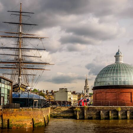 HMS Victory, Greenwich and the Victorian footpath entrance under the Thames Stok Fotoğraf