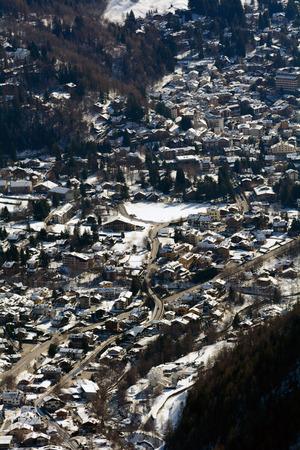 courmayeur: El valle de Courmayeur Foto de archivo