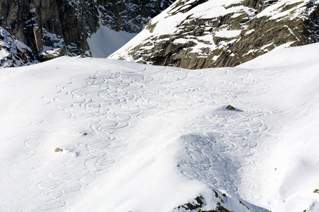 ski traces: Traces of Ski Mountaineering on the chain of Mont Blanc