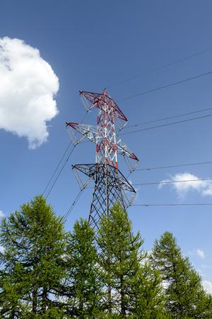 electromagnetism: High voltage pylon